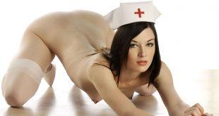 Lääkärissä sairaanhoitaja otti poskeen ja antoi minulle tiukkaa pillua - Suomen parhaat pornonovellit