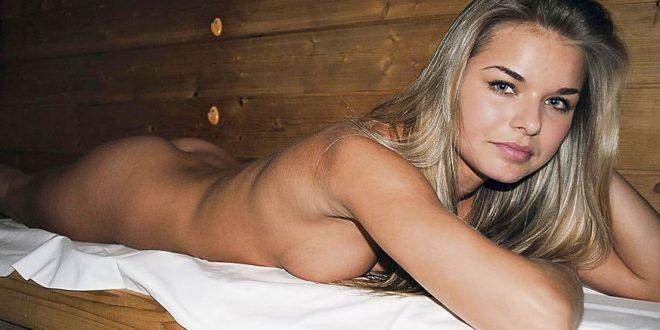 Saunassa otin kyrpäni esiin ja asetin sen hänen kiimaiseen pilluunsa - rankkaa seksiä saunassa