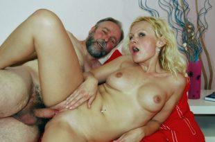 vaimo antoi pillua porno hentail